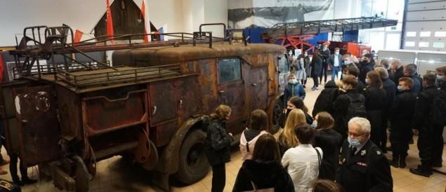 [FOTO] W CMP otwarto wystawę o pożarze rafinerii w 1971 roku