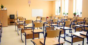 18 I uczniowie klas 1-3 wrócą do szkół, pozostałe obostrzenia do 31 I