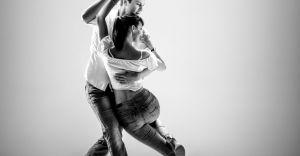Salsa i Bachata z Mandla Nauka Tańca - zapisz się!